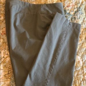 Chico's Size 2 Short Olive Green Pull On Pants